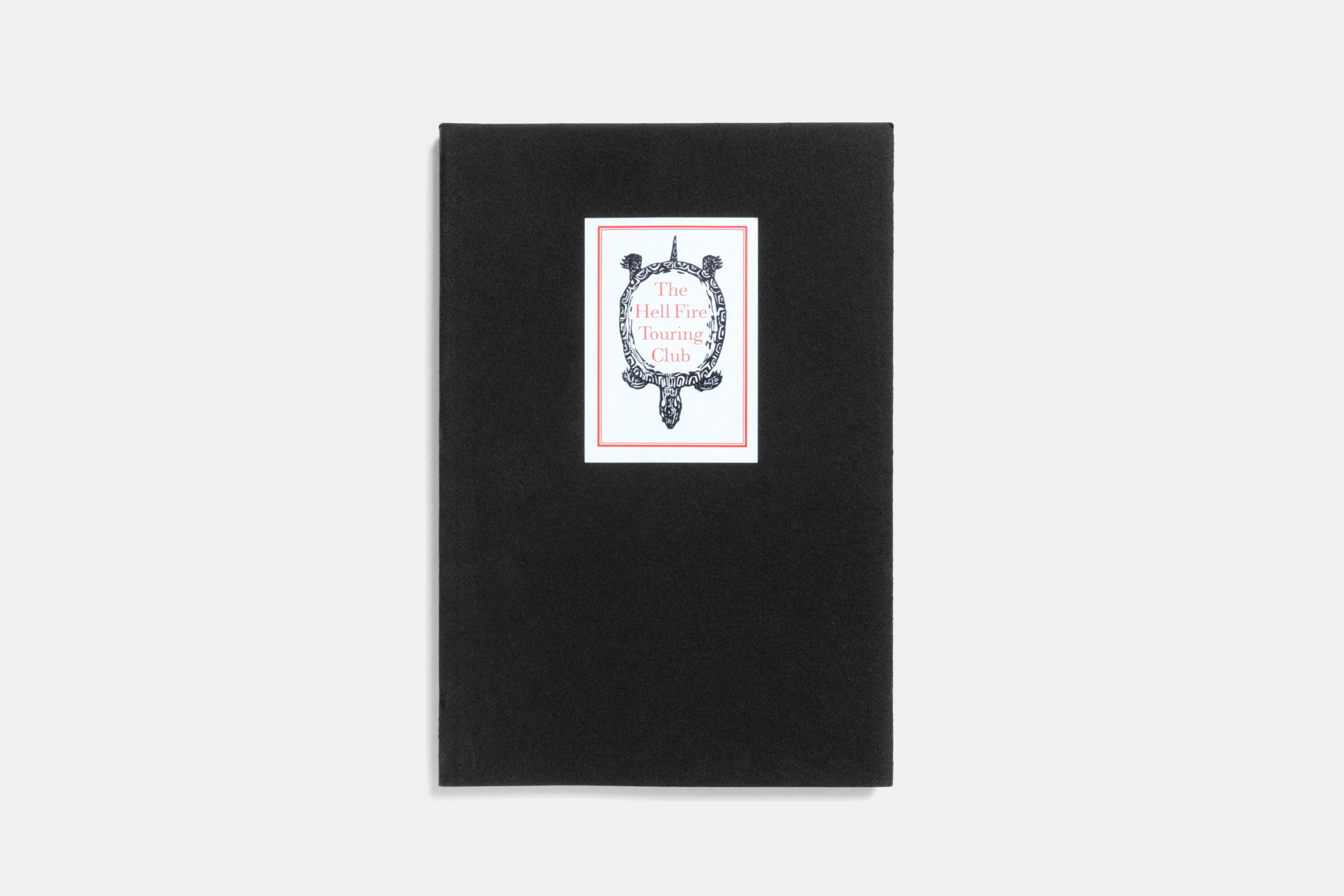 """Das Buch """"The Hell Fire Touring Club"""" erschienen im Verlag Pharsalia mit einem Holzschnitt einer Schildkröte von Christian Thanhäuser am Umschlag"""